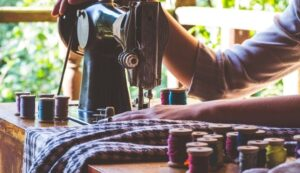 sewing machine sewing clothes