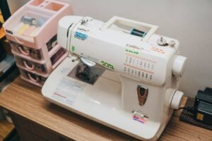 compare sewing machine side by side